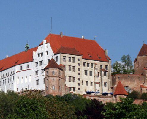 Freistehendes Ein-/Zweifamilienhaus in bester Wohnlage von Ergolding - Landshut