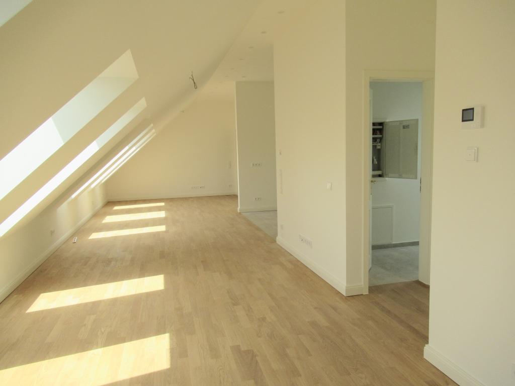 Wohnen-Küche-Hauswitschaftsraum