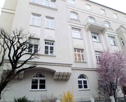 VERMIETET! 4-Zimmer-Maisonette-Wohnung in wundervollem Altbauhaus direkt am Englischen Garten in Schwabing