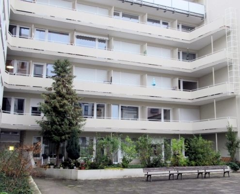 VERMIETET! Ruhiges möbliertes Apartment mit Balkon, nahe der Universität in der Maxvorstadt