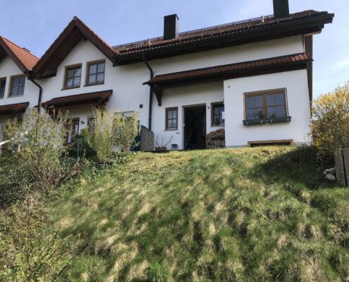 - Schmuckstück -  Reiheneckhaus mit idyllischem Grundstück in guter Lage in Holzkirchen